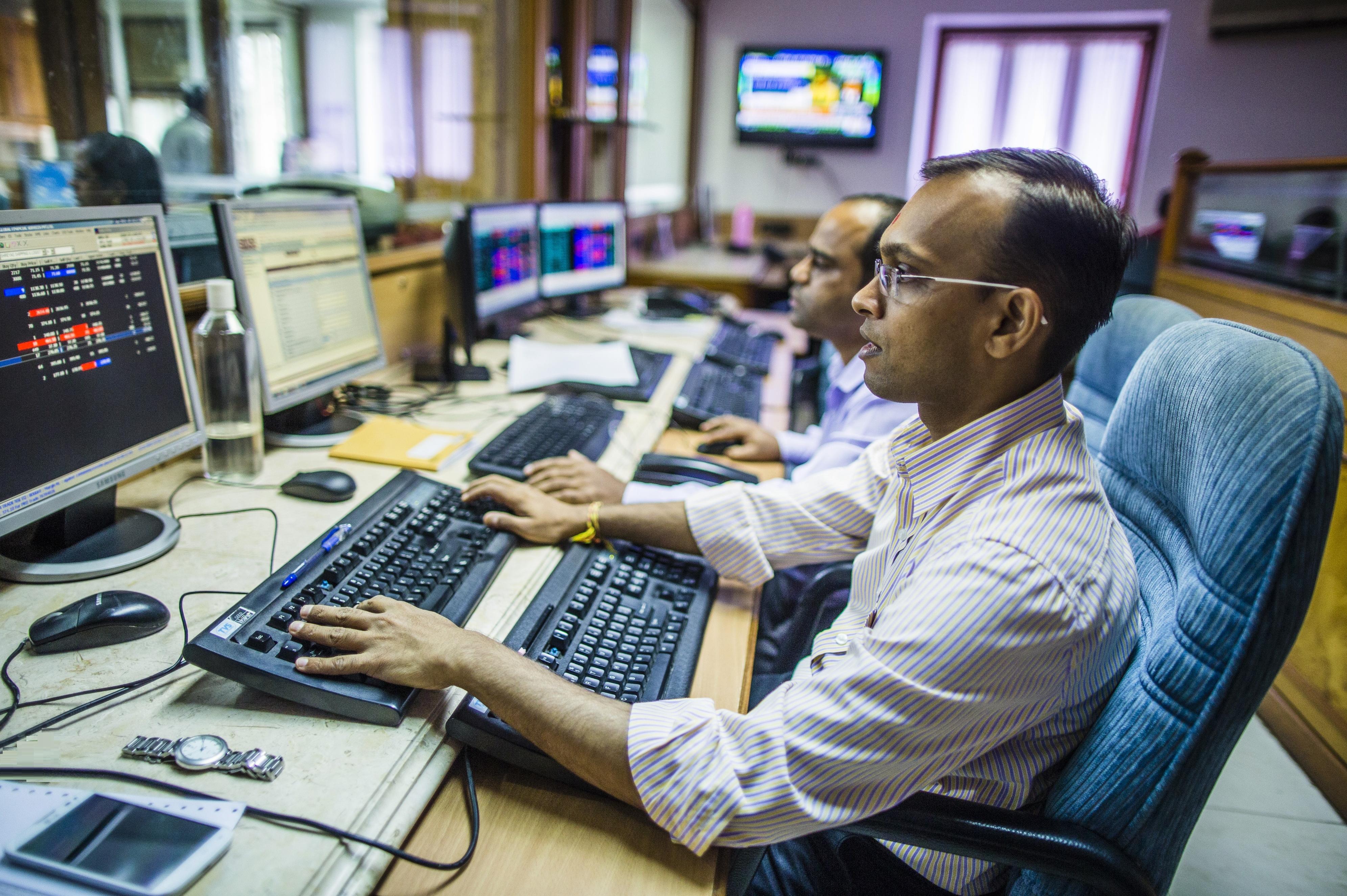 9971900635   Stock market courses & classes in Jaipur – Best Share market institute in Jaipur